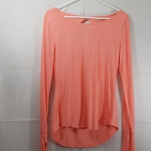 Medium peach top high low with thumb holes 101